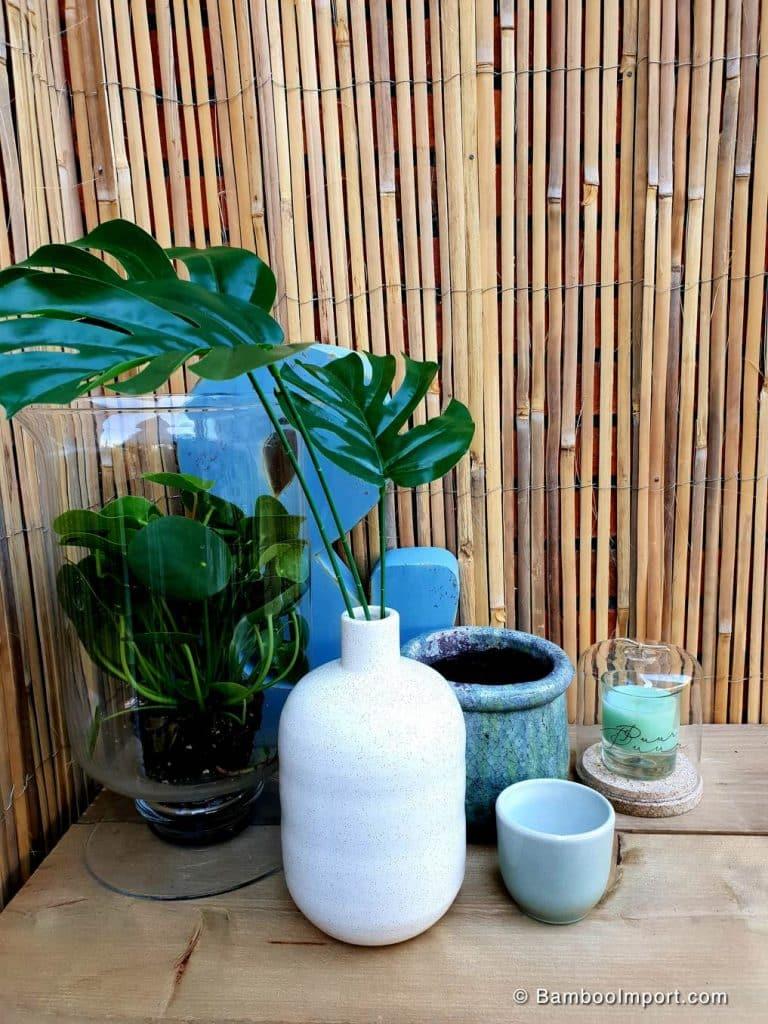 Gespleten bamboe mat op rol