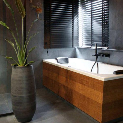 guadua-bamboe-platen-rustiek-badkamer